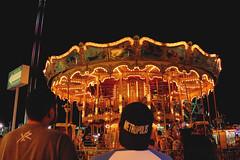 Contemplad la magnitud (Diego Flores Chávez) Tags: luces lights people carousel feria fair carnival sundaylights