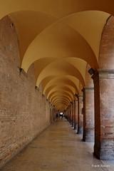 Corso Giuseppe Garibaldi (Frank Abbate) Tags: archi urbino pesaro corso garibaldi canon eos 80d wide angle arcs point view punto vista