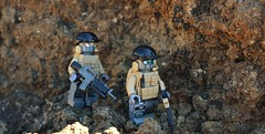 Figs (~J2J~) Tags: lego minifig minifigure military soldier tan gray outdoor modern tiny tactical tt brickarms overmold eclipsegrafx rock desert m16 minifigcat