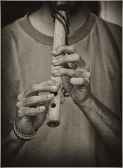 EL FLAUTISTA (cuma 2013) Tags: santelmo 30d manos