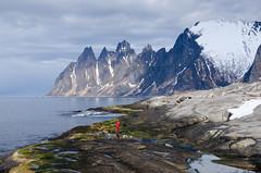 ¥  Norge (nevadoyerupaja) Tags: norway backcountryskiing landscape skiing spring girl sea ocean arctic north backcountry coast