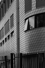 corner b&w (Rudy Pilarski) Tags: bw nb structure architecture architectura tamron nikon d7100 2470 buildings bâtiment line ligne abstrait abstract moderne thepassionphotography thebestoffnikon ngc urban urbain urbano motif monochrome