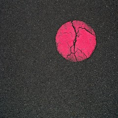 view of point (pierre-vdm) Tags: berlin rond round rund moon planet planète lune mond abstrait abstraction abstract abstrakt minimalisme minimalism minimalismus minimaliste minimalist rose rosa pink pinkmoon