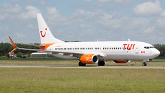 C-GOWG (tynophotography) Tags: ams eham schiphol amsterdam airport sunwings summerlease tui airlines 737 cgowg boeing