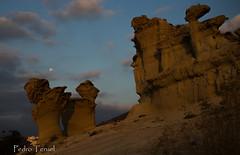 Luna llena en las erosiones de Bolnuevo (pedrojateruel) Tags: erosiones bolnuevo mazarrón amanecer luna llena