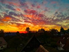 Colorporn (trooopiii) Tags: freedcam huaweip9 sunrise coloredsky colorporn burningsky burningclouds landscape landschaft roofphotography