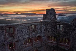 Hohengeroldseck bei Sonnenaufgang