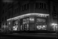 Nachtfalken (argentography) Tags: cafe neon vienna austria yashica124 ilford hp5 d76 night noir
