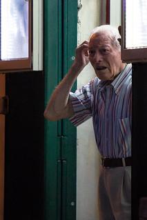 Vecchio alla porta