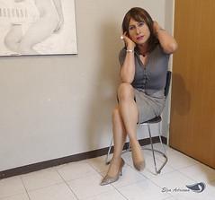 Sleeved gray blouse, pencil skirt type, high heels dress. (Elsa Adriana) Tags: elsaadriana elsa sexylegs mexican legs tgirl travesti transvestite tbabe tv transgender transgenero mature secretary