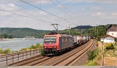 SBB Cargo 482 022-1 @ Linz am Rhein (Wouter De Haeck) Tags: deutschland dbnetz kbs465 köln koblenz rheinstrecken rechterheinstrecke rheinlandpfalz linzrhein linzamrhein mittelrhein rhein sbb sbbcargo sbbcargointernational br482 bombardier traxx f140ac1 cargo güterzug trailer containertrain containertrein antwerpen antwerpenoorderen gallarate railcolor railcolordesign