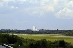 _MG_0833 Qatar A7-ACC (M0JRA) Tags: qatar a7acc manchester airport planes flying jets biz aircraft pilot sky clouds runways