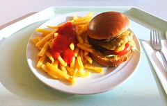 Double cheeseburger & french fries / Doppelter Cheesburger & Pommes Frites (JaBB) Tags: cheeseburger doublecheeseburger frenchfries pommesfrites ketchup käse cheese food lunch essen nahrung nahrungsmittel mittagessen kantine betriebsrestaurant sometimessavory