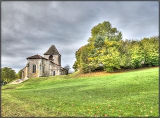 Église Saint-Pierre-ès-Liens à La Douze .....en Dordogne