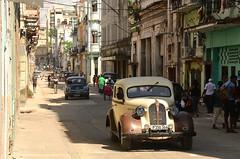 Cuba- La Habana (venturidonatella) Tags: cuba lahabana lavana avana habana caraibi caribbean isola street streetscene streetlife cars car automobile via strada colori colors nikon nikond500 d500