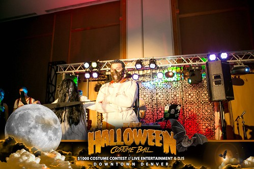 """Halloween Costume Ball 2017 • <a style=""""font-size:0.8em;"""" href=""""http://www.flickr.com/photos/95348018@N07/24225088108/"""" target=""""_blank"""">View on Flickr</a>"""