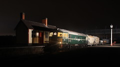 Late Stop (Duck 1966) Tags: emrps swanwick mrb mrc crompton class33 nightime