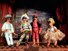 Teatrino (magellano) Tags: teatro teatrino maschere maschera commediadellarte brighella arlecchino pantalone colombina harlequin columbina theatre mask casa home marionetta marionette direttore orchestra costume