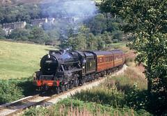 George Stephenson At Oakworth Mound. (neilh156) Tags: steam steamloco steamengine steamrailway railway 44767 georgestephenson oakworthmound oakworth keighleyworthvalleyrailway kwvr worthvalleyrailway black5 lms stanier