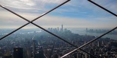 Liberté (pi3rreo) Tags: empire state building newyork hauteur immeuble urbain urban nikon coolpix ciel sky extérieur perspective bleu blue paysage apple ville city manhattan