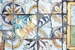 oh no (S. Hemiolia) Tags: ischia zeiss santamariadelsoccorso forio piastrelle ceramica maiolica manualfocus 6d contax yashica
