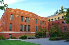 Oregon 2017 330 (17) (bigeagl29) Tags: the university of oregon eugene or college campus scenic scenery landscape ducks