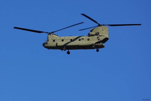 "U.S. Army Chinook • <a style=""font-size:0.8em;"" href=""http://www.flickr.com/photos/52364684@N03/37144184460/"" target=""_blank"">View on Flickr</a>"