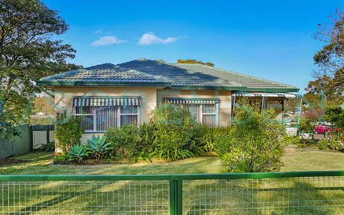 42 Vales Rd, Mannering Park NSW 2259