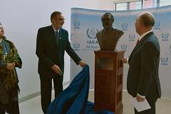 Abdus Salam Bust Donation (01117003)
