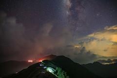 合歡山主峰的銀河與雷雨雲(Milky way and thunder clouds @ Mt.Hehuan main peak)。 (Charlie 李) Tags: clouds thunder natoucounty taiwan mthehuan mountain star milkyway 仁愛鄉 南投縣 雷雨 閃電 星雲 銀河 登山步道 主峰 合歡山
