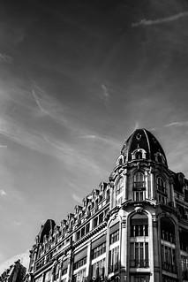 Architecture de Paris par temps ensoleillé