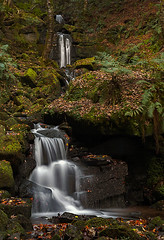 Hardcastle Crags Waterfalls (c.richard) Tags: waterfall nationaltrust hardcastlecrags countryside calderdale caldervalley autumncolours autumnleaves autumn rocks