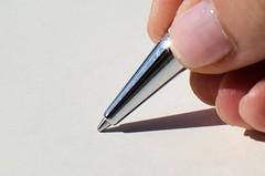 pen (inma F) Tags: macromondays blanco colores macro mano sol sombra sidelit bolígrafo hand pen white