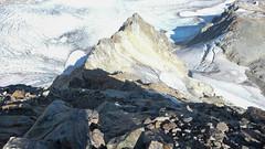 Zejście ze szczytu Marjanishvili 3555m jego północno-wsch. grania. (Tomasz Bobrowski) Tags: zeskhobasecamp marjanishvilicamp wspinanie mountains aghashtaniglacier kaukaz góry marjanishvili gruzja caucasus georgia climbing