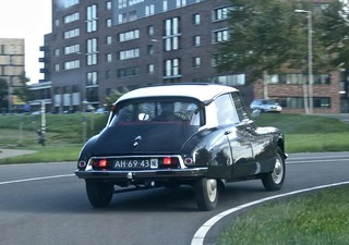 1964 CITROËN ID 19 While Driving