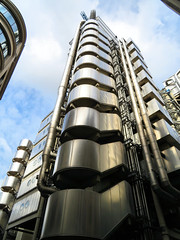 Lloyd's Building, London, England (duaneschermerhorn) Tags: architecture building skyscraper structure highrise architect modern contemporary modernarchitecture contemporaryarchitecture richardrogers rogers bowellism exteriorinfrastructure exteriorducts