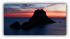Série: Sunset on Vedra n° 10 (jldum) Tags: ibiza espagne baléares rock rocher roche water islande îles sea mer sun couchédesoleil sunrise sunset