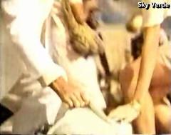 Comercial Desodorante AXE (1992) (hernánpatriciovegaberardi (1)) Tags: unilever comercial desodorante axe 1992 tierna chica piernas rodillas
