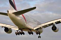 EK0007 DXB-LHR (A380spotter) Tags: approach landing finals shortfinals threshold airbus a380 800 msn0109 a6eeb expo2020dubaiuaehostcity decal sticker 38m longrangeconfiguration 14f76j427y الإمارات emiratesairline uae ek ek0007 dxblhr runway27r 27r london heathrow egll lhr