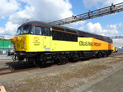CRF 56049 @ Old Oak Common (Sim0nTrains Photos) Tags: oldoakcommondepot oldoakcommon legendsofthegreatwestern ooc111 oldoakcommon111 railwaydepot oldoakcommonopenday gwropenday ooc gwr class56 brel doncaster britishrailclass56 diesellocomotive grid gridirons colasrailfreight colasrailfreightclass56 colasrail colasrailclass56 56049