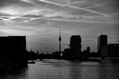 Gestreifter Himmel (DOKTOR WAUMIAU) Tags: blackwhite ishootraw acros bw berlin fhain friedrichshain fuji fujifilm fujilove fujixt20 lightroom monochrome xt20 500px