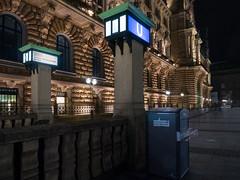 U-Bahn Rathaus 01 (Torsten schlüter) Tags: deutschland hamburg u3 rathaus nacht sandstein kunstlicht olympus 12mm untergrund 2017