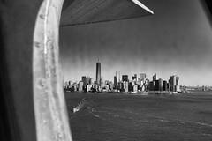 Manhattan (erichudson78) Tags: usa nyc manhattan nb bw canoneos6d canonef24105mmf4lisusm statueofliberty grandangle wideangle 7dwf skyscraper ville town gratteciel mer sea eau water ciel sky architecture cmwdbw