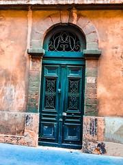 Porte Lyonnaise (freddylyon69) Tags: vieuxlyon saintgeorges couleurs iphone6s promenade olddoor rues porteancienne porte lyon