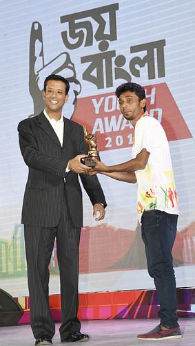 21-10-17-PM ICT Advisor Sajeeb Wazed Joy_Joy Bangla Youth Award-53