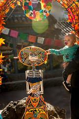 Celebraciones de la Gente (_bobmcclure_) Tags: celebracionesdelagentedayofthedeadmuseumofnorthernarizona flagstaff arizona baby skull statue art backlight nikon d610 tamron 2870