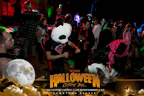 "Halloween Costume Ball 2017 • <a style=""font-size:0.8em;"" href=""http://www.flickr.com/photos/95348018@N07/24225094078/"" target=""_blank"">View on Flickr</a>"