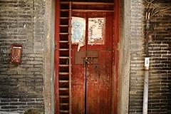 Old Door (superzookeeper) Tags: canoneos5dmarkiv ef2470mmf28liiusm 5dmk4 5dmkiv hk hongkong yuenlong eos digital street abandoned ruins oldtown yuenlongkauhui oldbuilding olddoor
