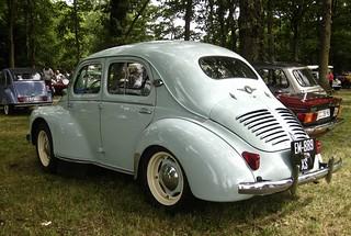 1957 RENAULT 4CV Berline