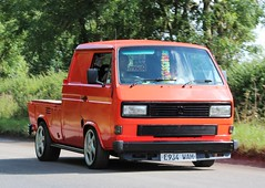 E934 WAM (Nivek.Old.Gold) Tags: 1987 volkswagen transporter td 4 doublecab pickup 1588cc diesel t3